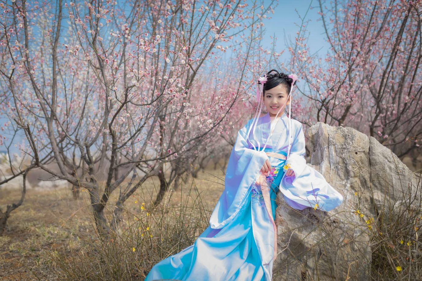 翟家小妮翟雅慧之春到梅园 花儿与少年系列 梅园尽显中国风_图1-24