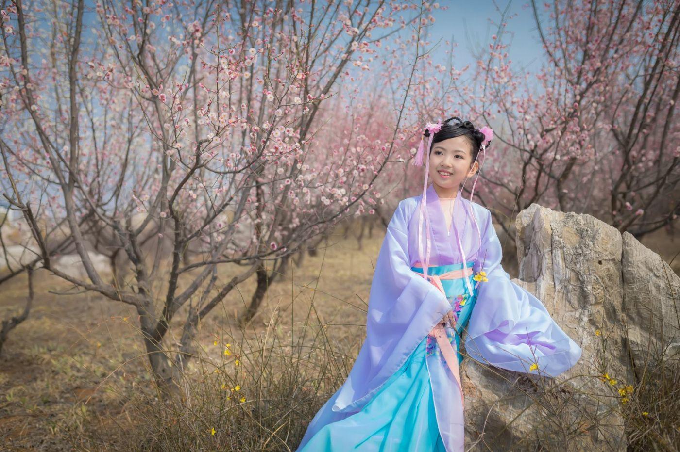 翟家小妮翟雅慧之春到梅园 花儿与少年系列 梅园尽显中国风_图1-26