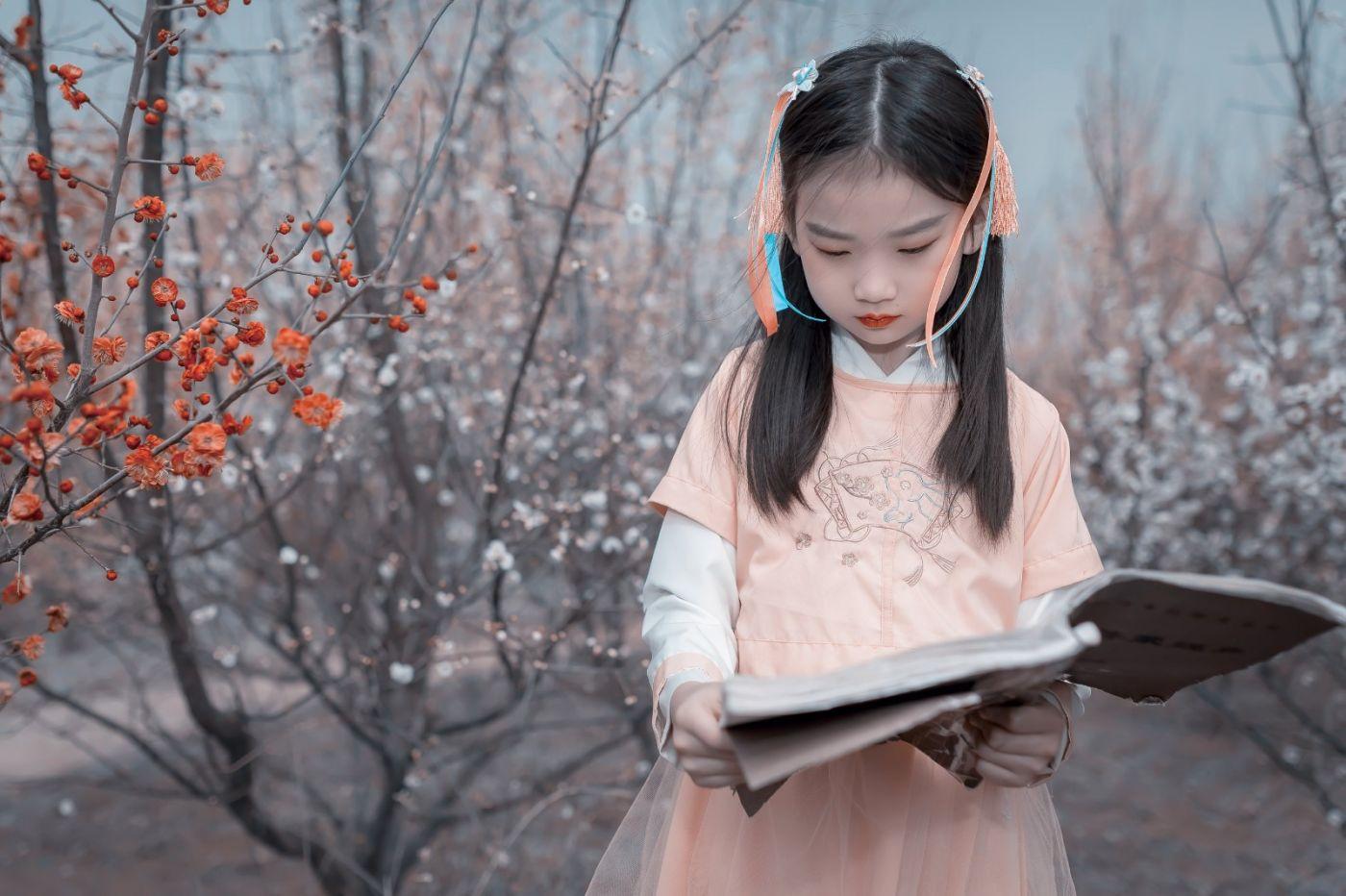 梅林馀妍不争春 小小仙女下凡尘 在费县拍摄小小仙女候依琳_图1-10