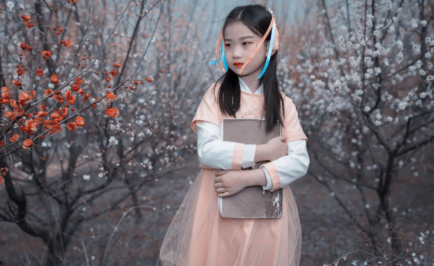 梅林馀妍不争春 小小仙女下凡尘 在费县拍摄小小仙女候依琳_图1-13