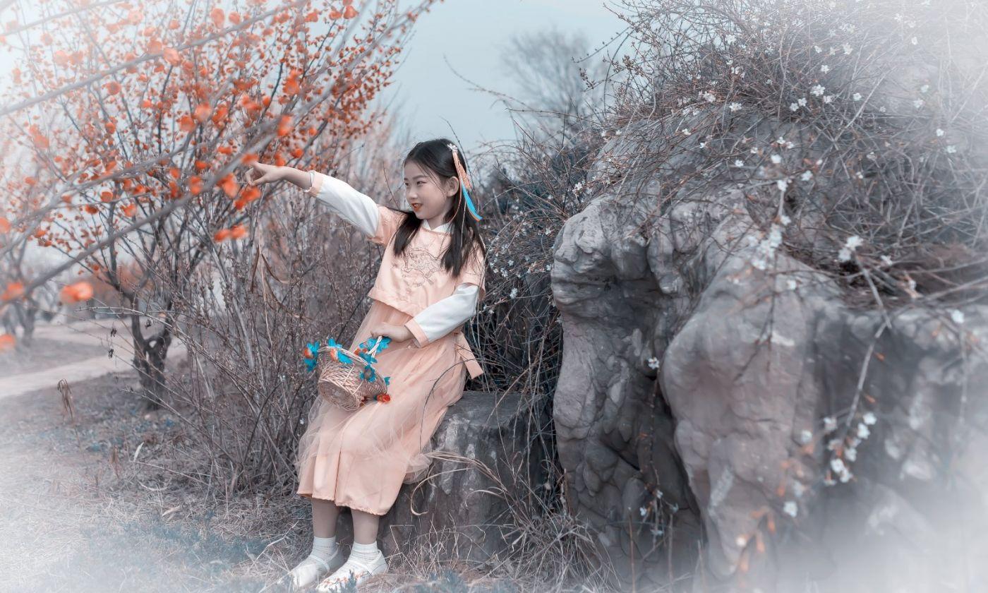 梅林馀妍不争春 小小仙女下凡尘 在费县拍摄小小仙女候依琳_图1-19