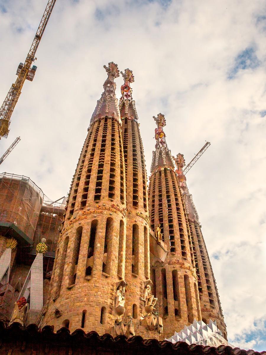 西班牙圣家堂(Sagrada Família), 传统里的超现实_图1-39