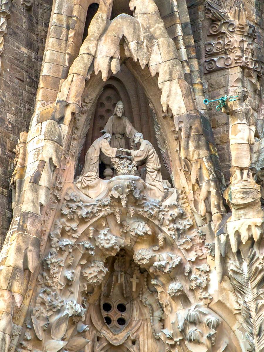西班牙圣家堂(Sagrada Família), 传统里的超现实_图1-40