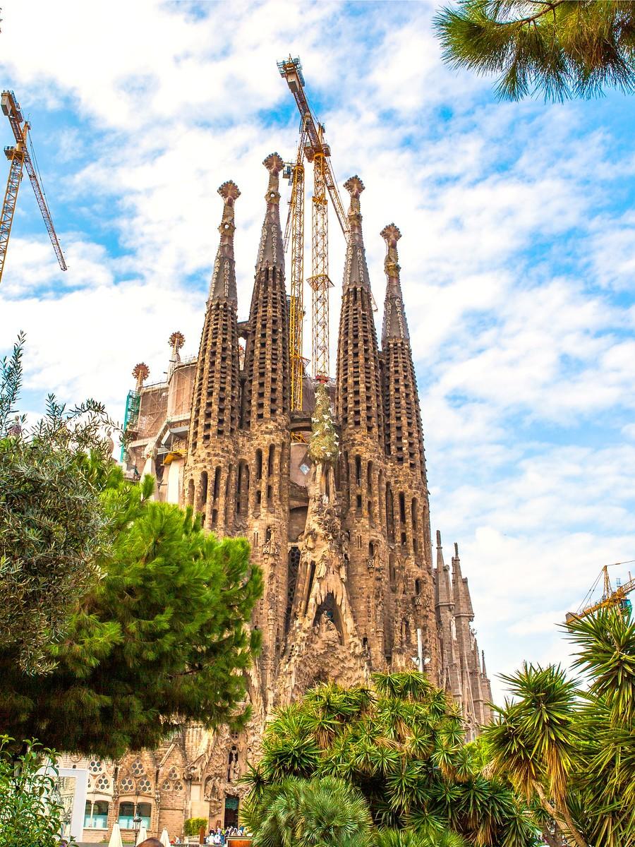 西班牙圣家堂(Sagrada Família), 传统里的超现实_图1-35