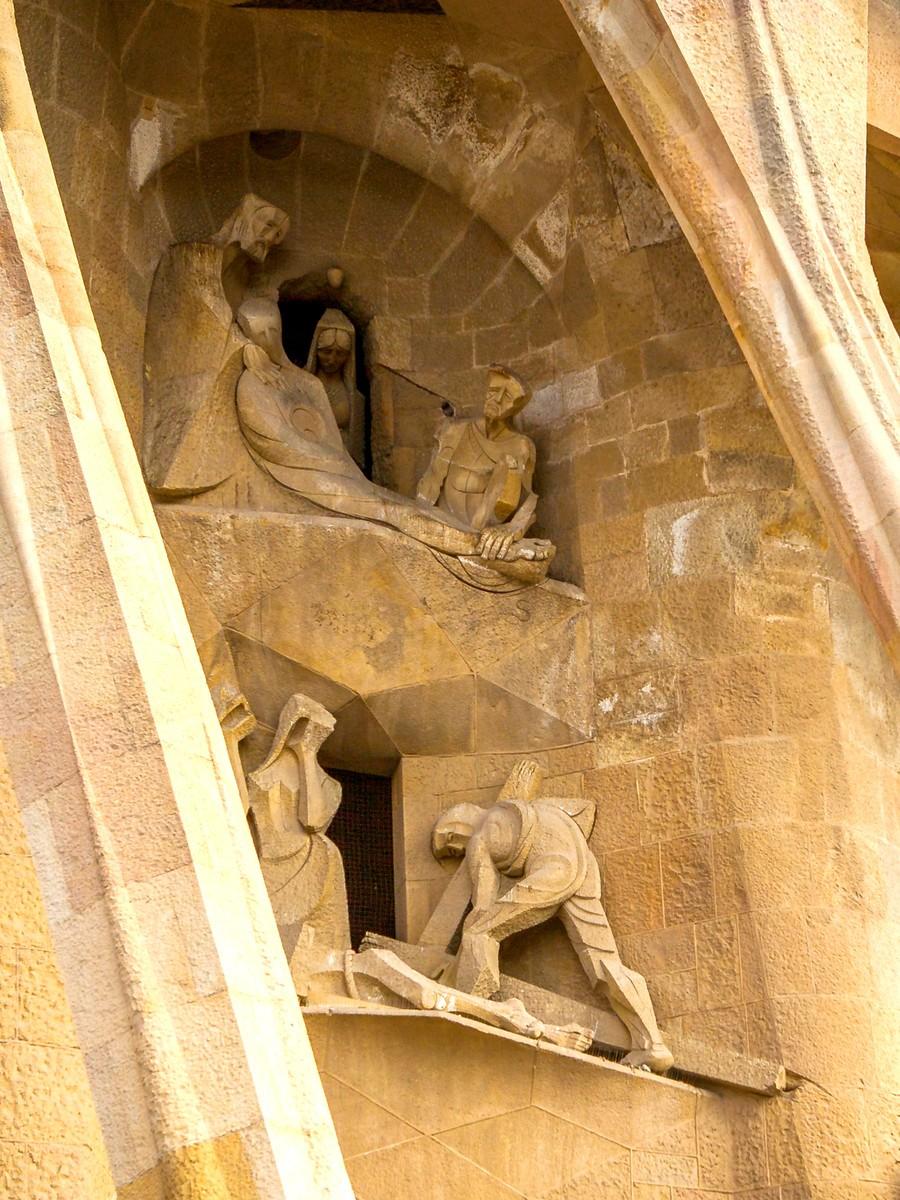 西班牙圣家堂(Sagrada Família), 传统里的超现实_图1-34