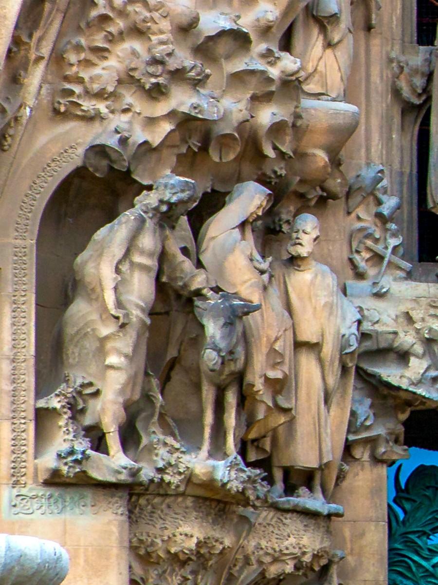 西班牙圣家堂(Sagrada Família), 传统里的超现实_图1-29
