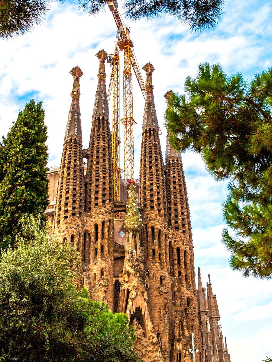 西班牙圣家堂(Sagrada Família), 传统里的超现实_图1-32