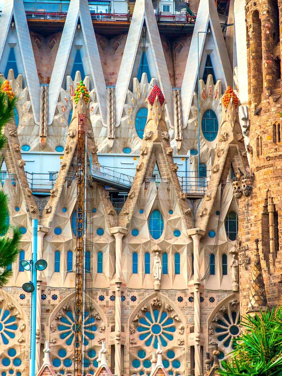 西班牙圣家堂(Sagrada Família), 传统里的超现实_图1-28