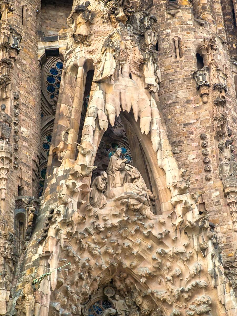 西班牙圣家堂(Sagrada Família), 传统里的超现实_图1-27