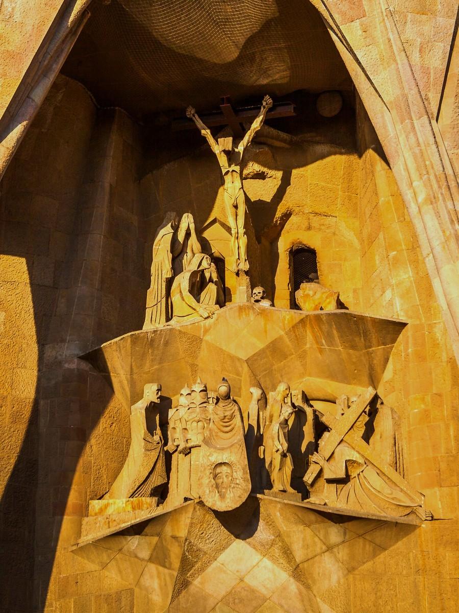 西班牙圣家堂(Sagrada Família), 传统里的超现实_图1-20