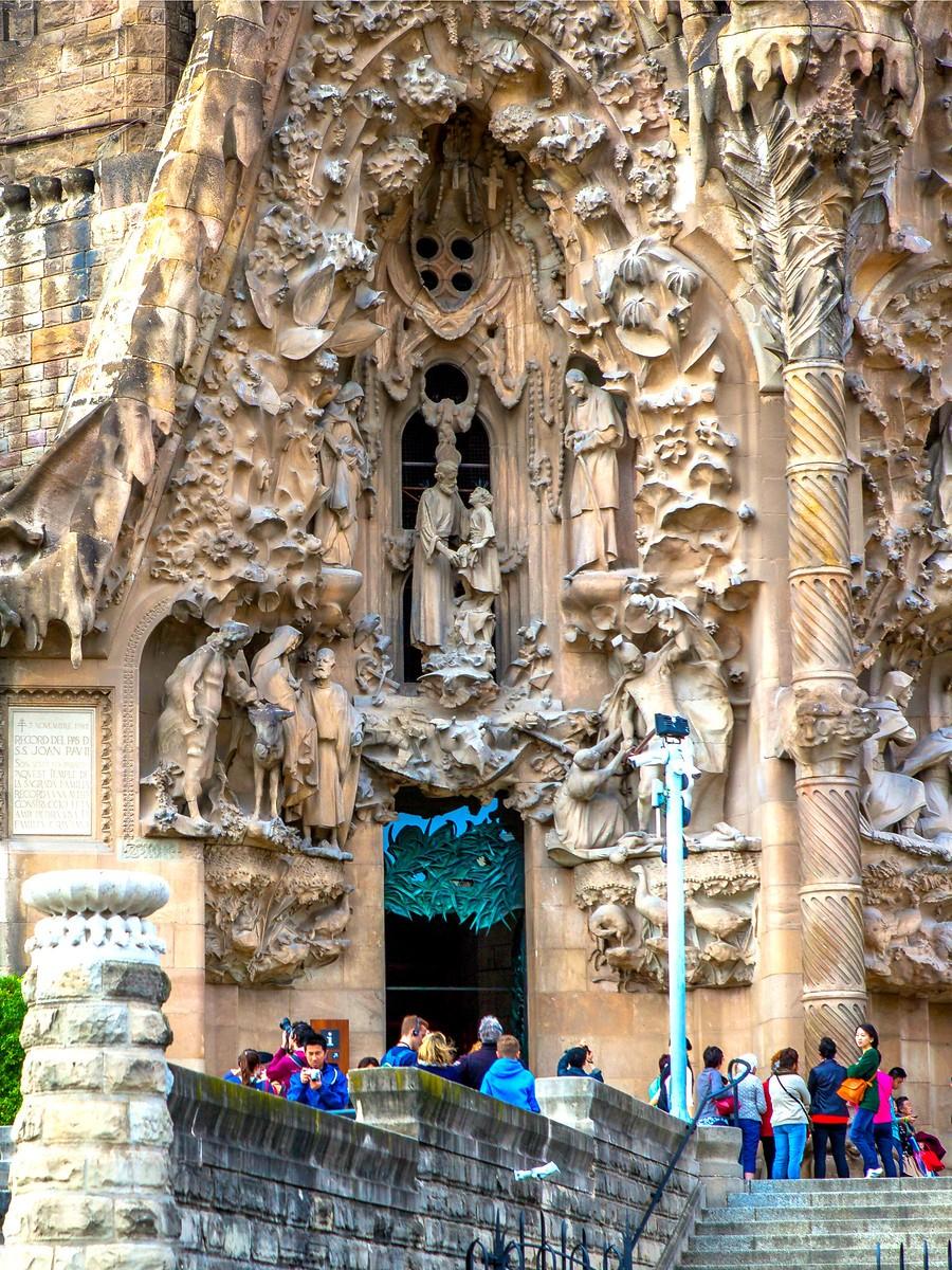 西班牙圣家堂(Sagrada Família), 传统里的超现实_图1-24