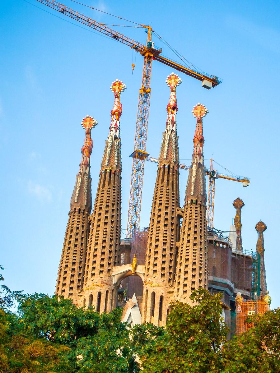 西班牙圣家堂(Sagrada Família), 传统里的超现实_图1-17