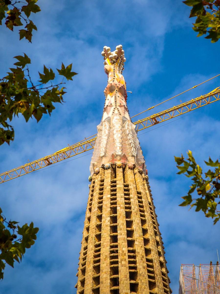 西班牙圣家堂(Sagrada Família), 传统里的超现实_图1-19