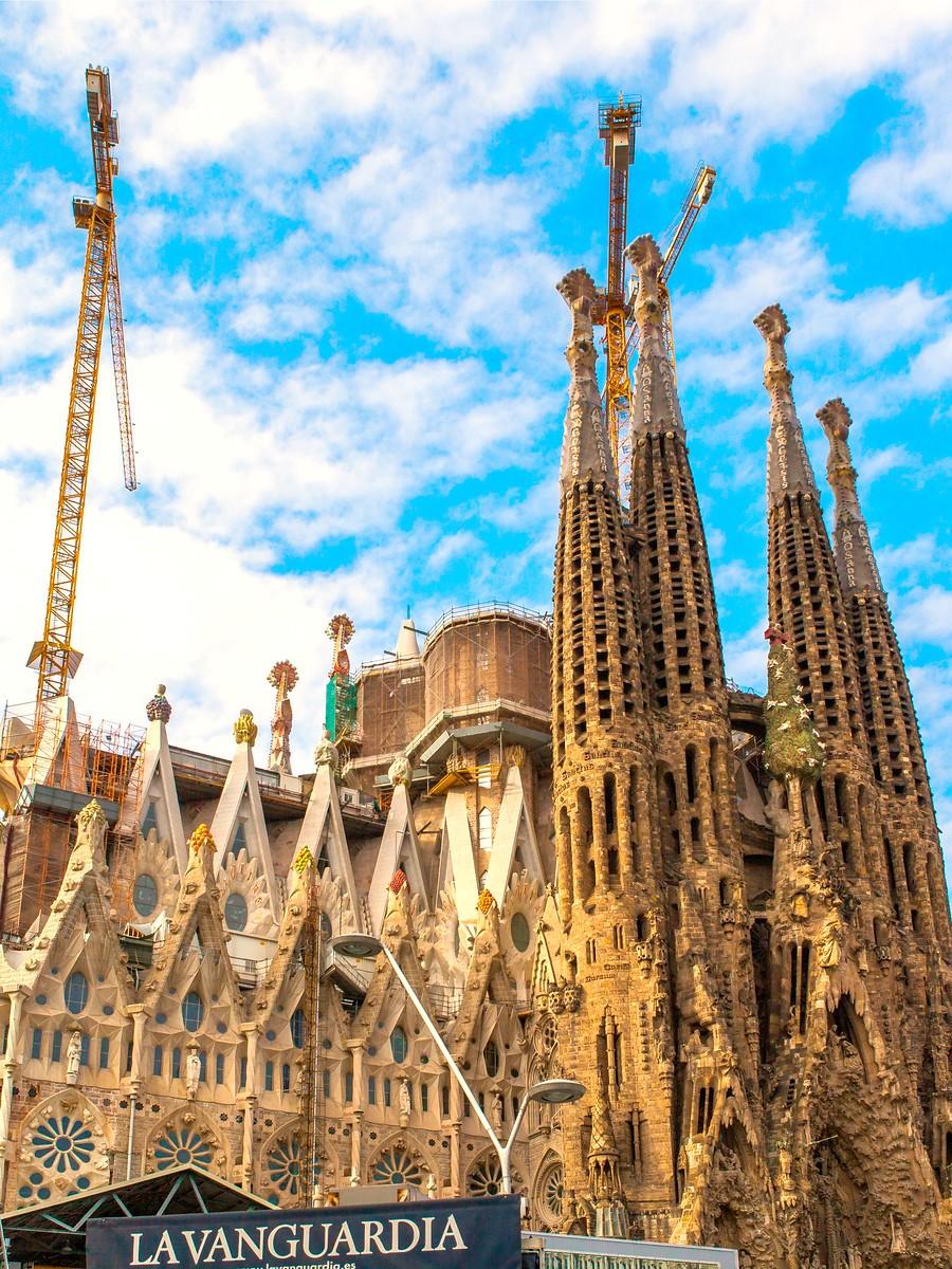 西班牙圣家堂(Sagrada Família), 传统里的超现实_图1-18