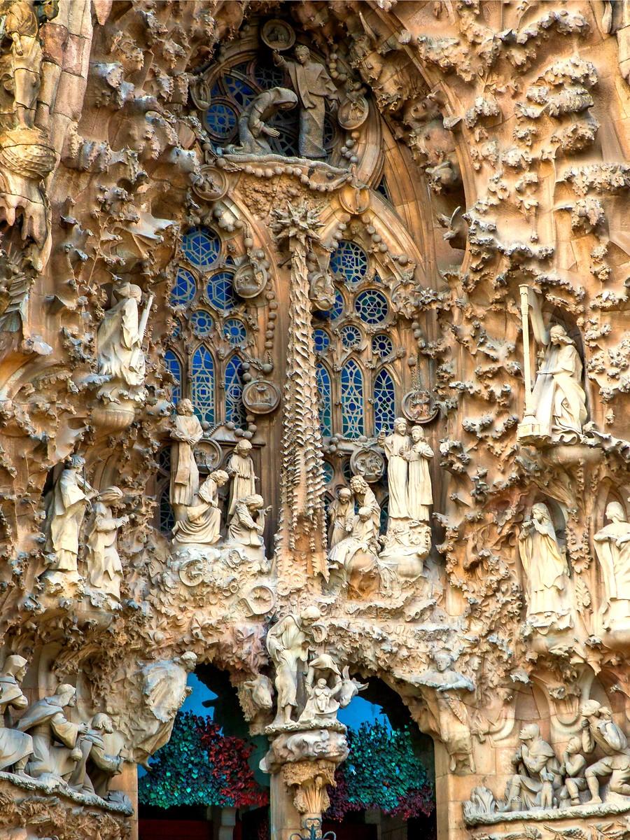 西班牙圣家堂(Sagrada Família), 传统里的超现实_图1-10