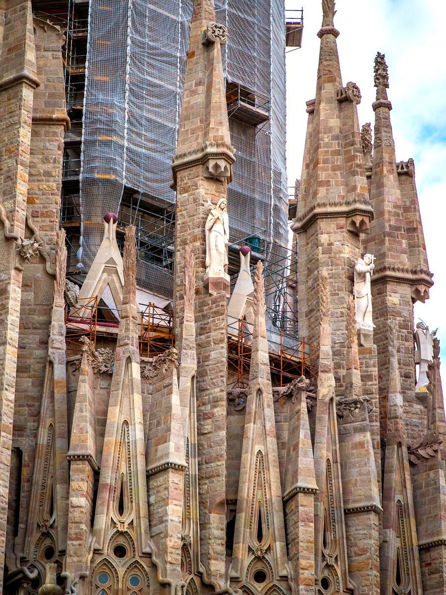 西班牙圣家堂(Sagrada Família), 传统里的超现实_图1-11