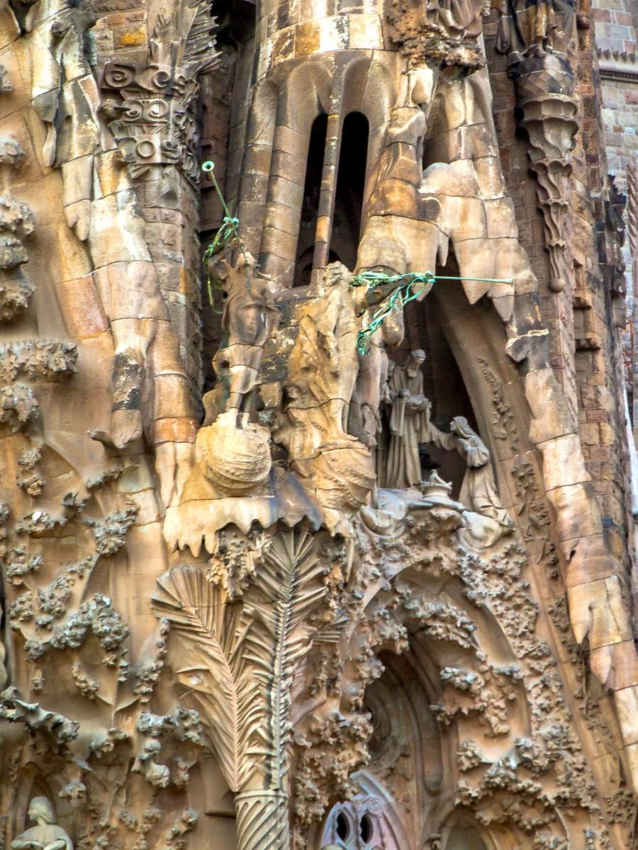西班牙圣家堂(Sagrada Família), 传统里的超现实_图1-8