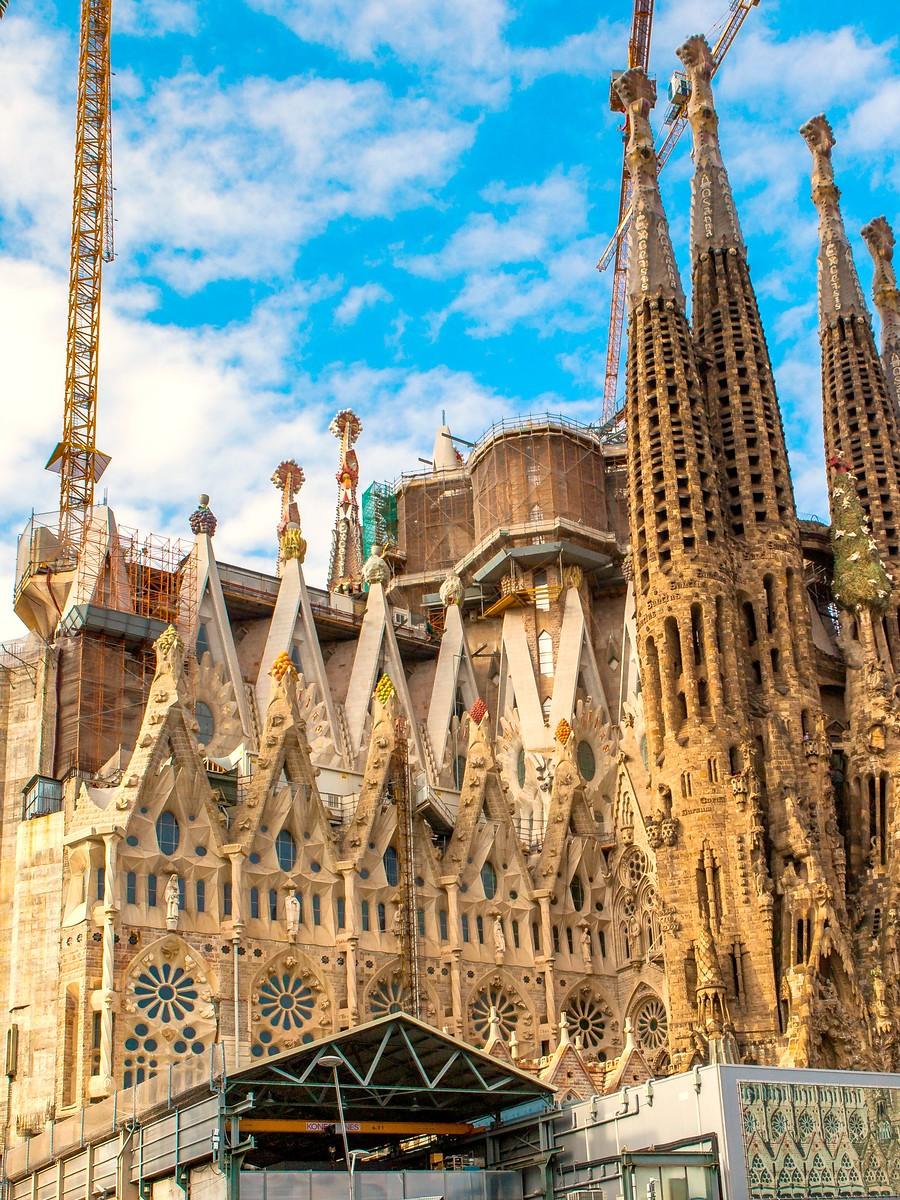 西班牙圣家堂(Sagrada Família), 传统里的超现实_图1-7