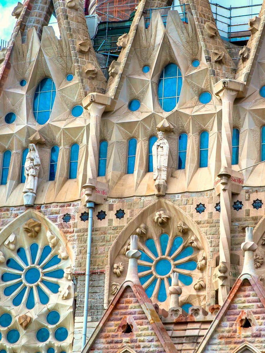 西班牙圣家堂(Sagrada Família), 传统里的超现实_图1-6