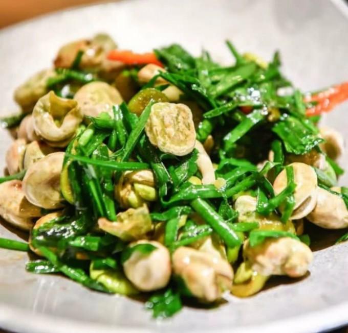 中国人有多爱吃韭菜?春天打个饱嗝,嘴里喷出一股韭菜味儿 ..._图1-7
