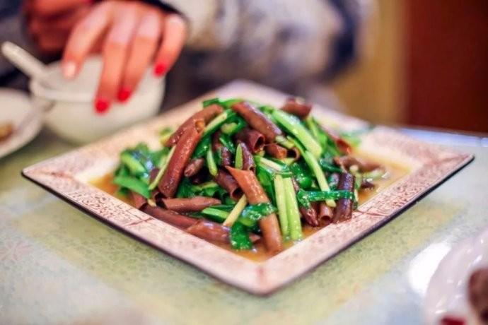 中国人有多爱吃韭菜?春天打个饱嗝,嘴里喷出一股韭菜味儿 ..._图1-12