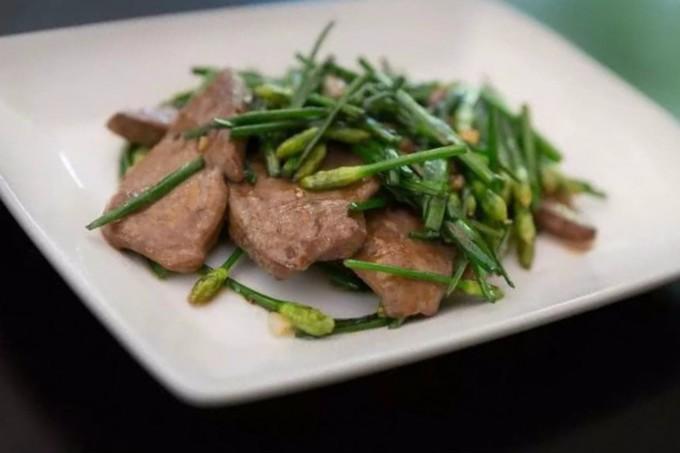 中国人有多爱吃韭菜?春天打个饱嗝,嘴里喷出一股韭菜味儿 ..._图1-16