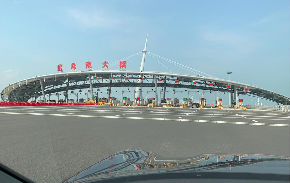 """超爽:在""""港珠澳大桥""""上飙车的感觉_图1-3"""