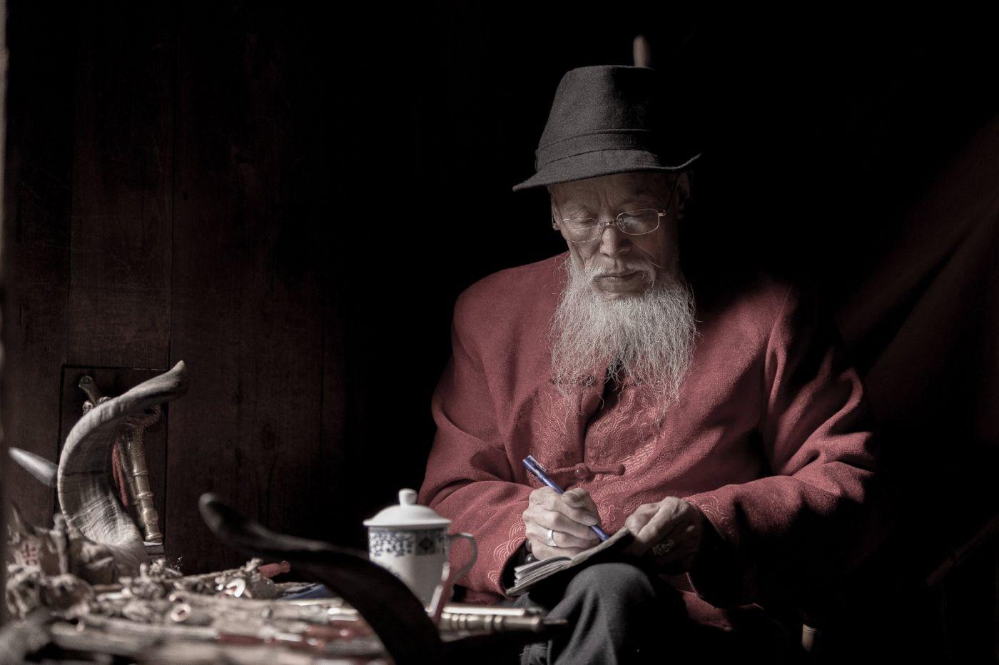 泡在成都老茶馆 感受销魂时刻 喝大茶 掏耳朵 拍美女 生活真美好 ..._图1-12