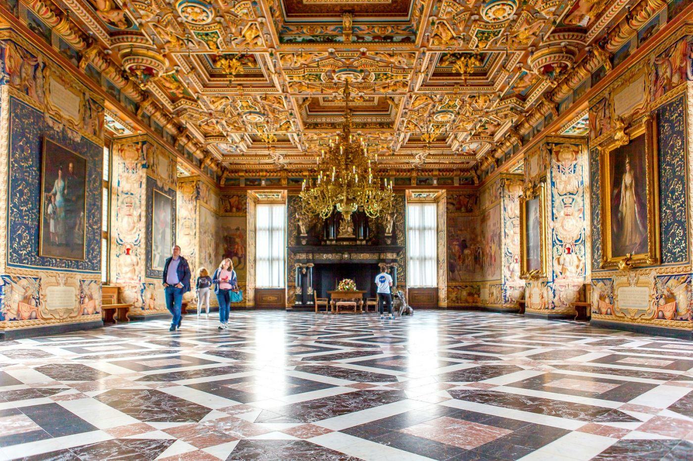 丹麦腓特烈堡城堡,金碧辉煌的大厅_图1-22