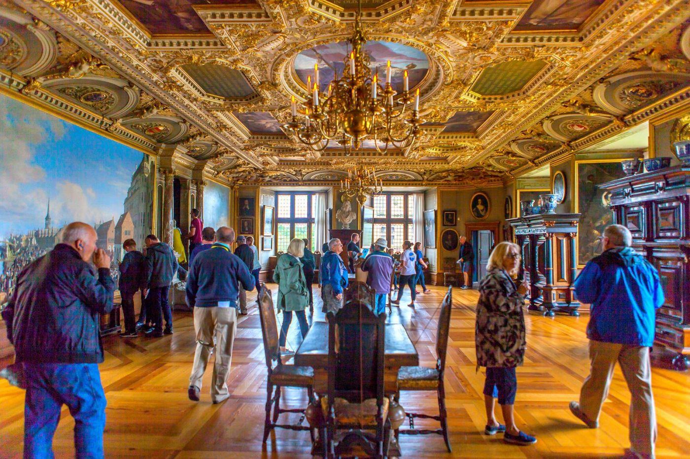 丹麦腓特烈堡城堡,金碧辉煌的大厅_图1-7