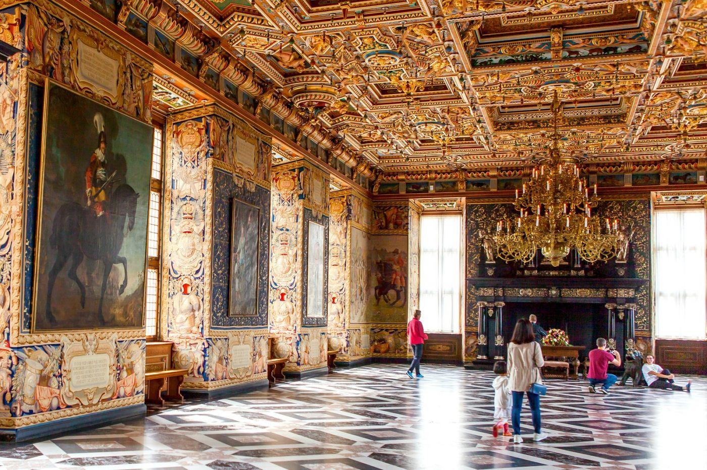 丹麦腓特烈堡城堡,金碧辉煌的大厅_图1-1