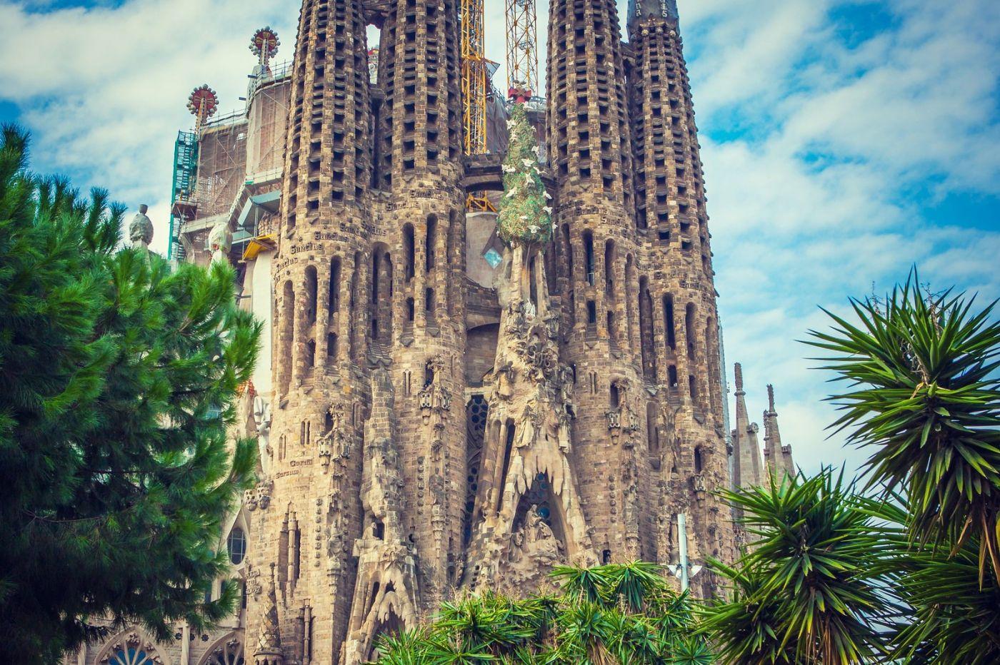 西班牙圣家堂(Sagrada Família), 上帝建筑师-高第的作品_图1-1