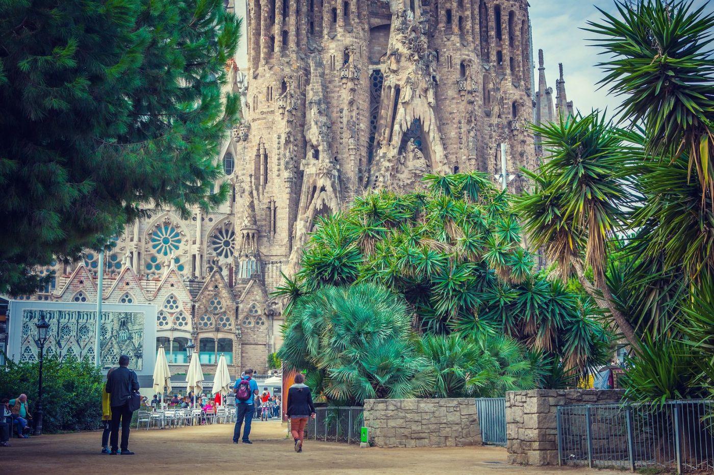 西班牙圣家堂(Sagrada Família), 上帝建筑师-高第的作品_图1-6