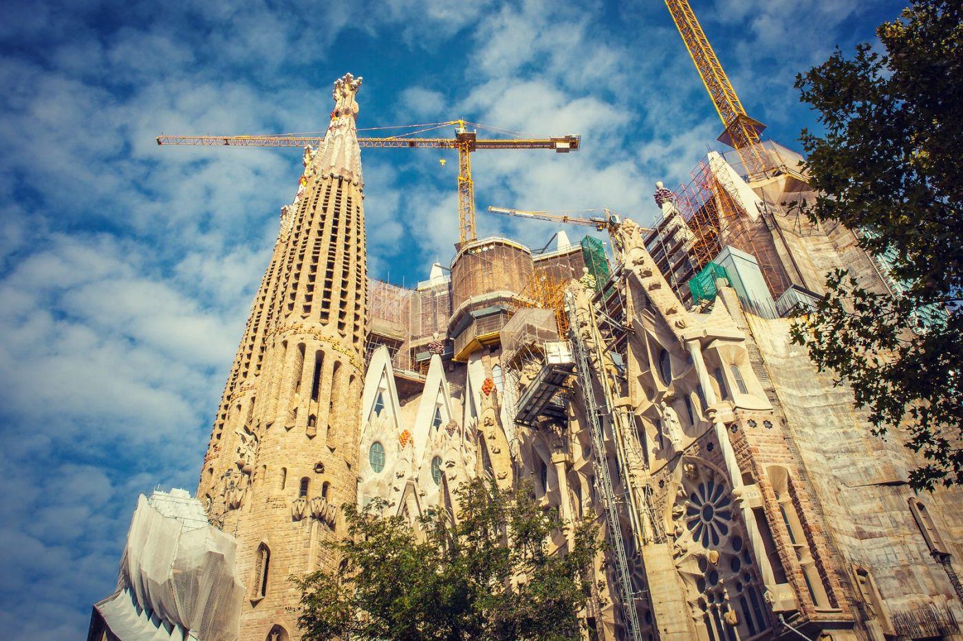 西班牙圣家堂(Sagrada Família), 上帝建筑师-高第的作品_图1-17
