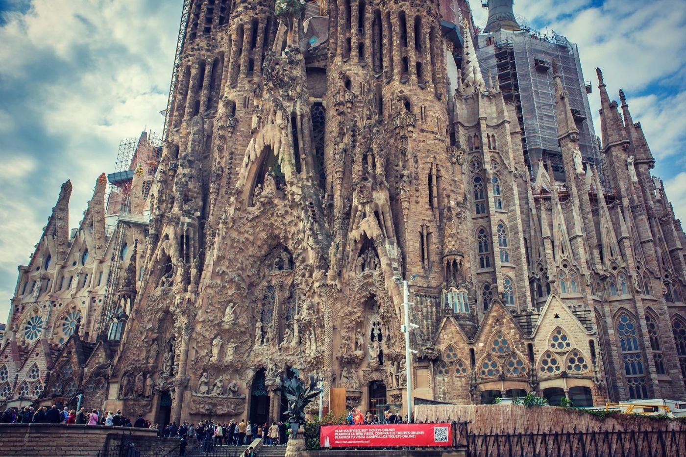 西班牙圣家堂(Sagrada Família), 上帝建筑师-高第的作品_图1-24