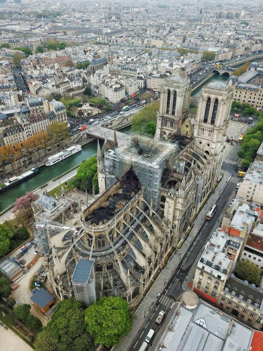 """惨不忍睹:大火后的""""巴黎圣母院""""_图1-4"""