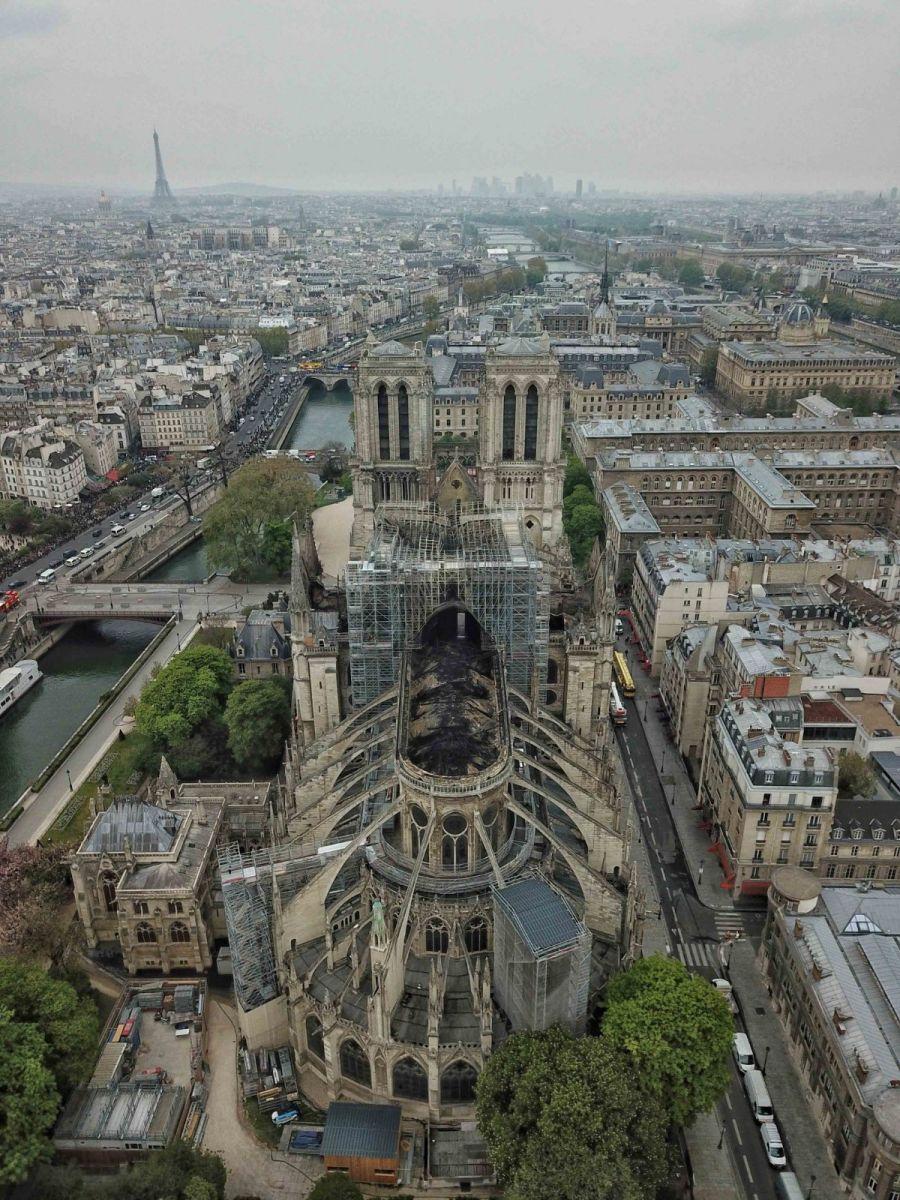 """惨不忍睹:大火后的""""巴黎圣母院""""_图1-5"""