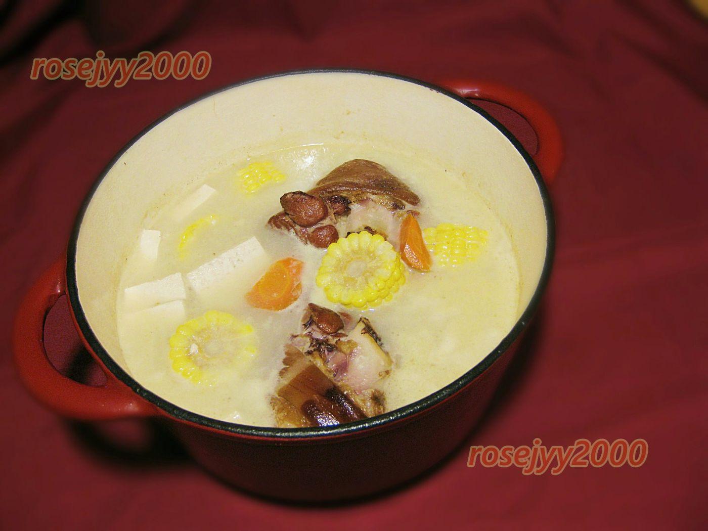咸猪手豆腐玉米汤_图1-1