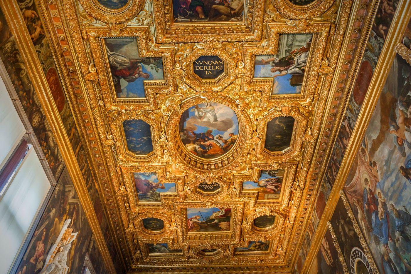 威尼斯圣马可大教堂(St Mark's Basilica), 精雕细琢的顶设_图1-35