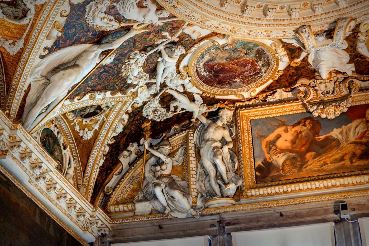 威尼斯圣马可大教堂(St Mark's Basilica), 精雕细琢的顶设_图1-33