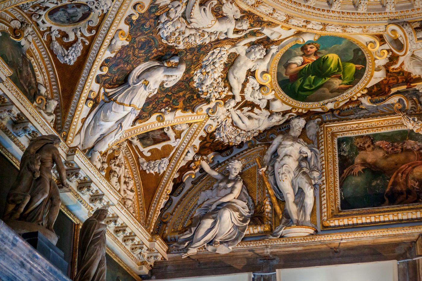 威尼斯圣马可大教堂(St Mark's Basilica), 精雕细琢的顶设_图1-26