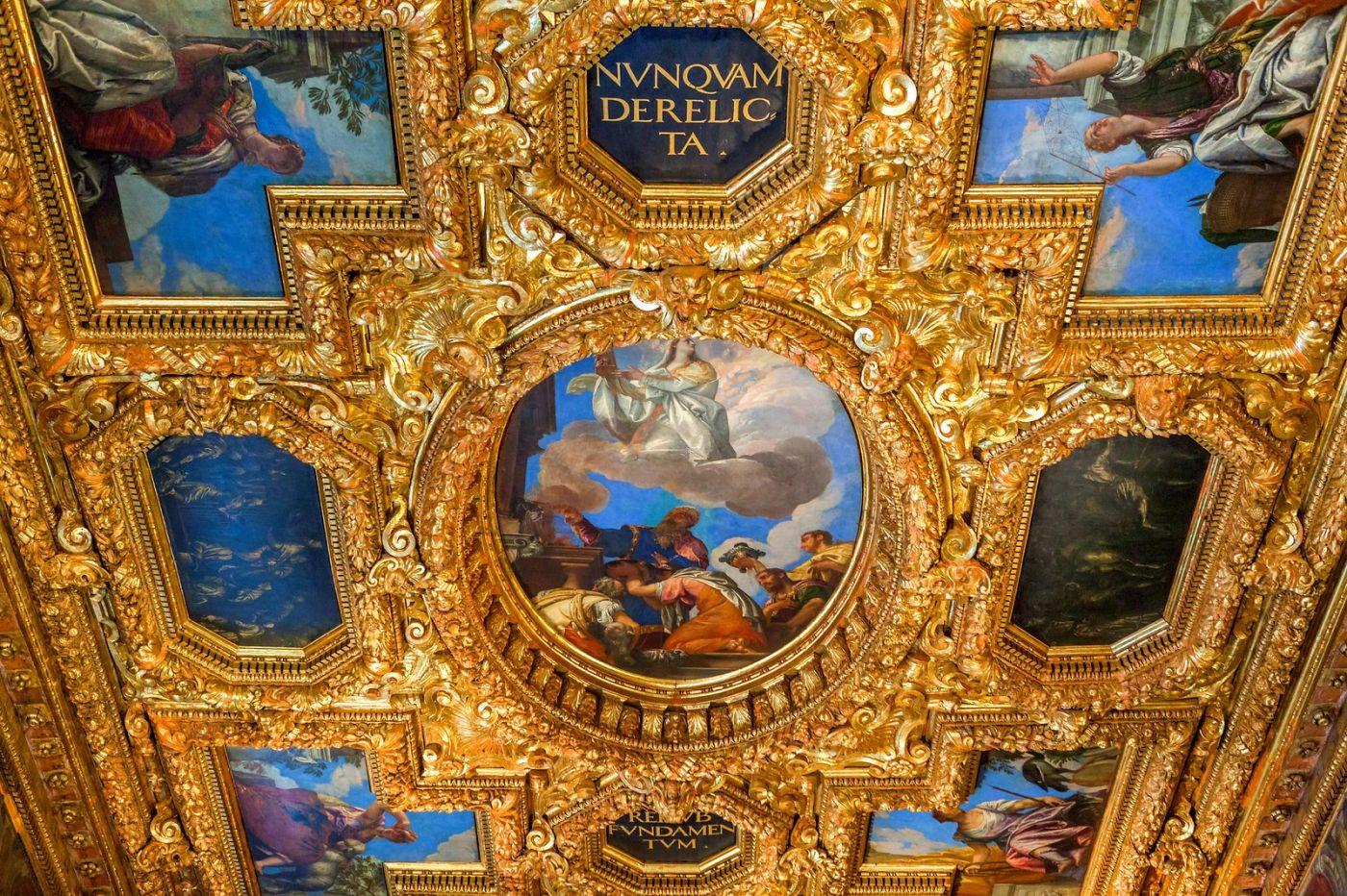 威尼斯圣马可大教堂(St Mark's Basilica), 精雕细琢的顶设_图1-5