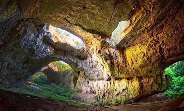 """从谷歌地球寻找""""地球的特殊地方""""---Devetashka洞穴_图1-2"""