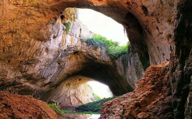 """从谷歌地球寻找""""地球的特殊地方""""---Devetashka洞穴_图1-3"""