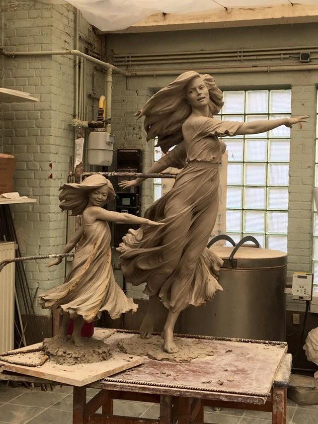 罗丽蓉精彩的雕塑作品_图1-9