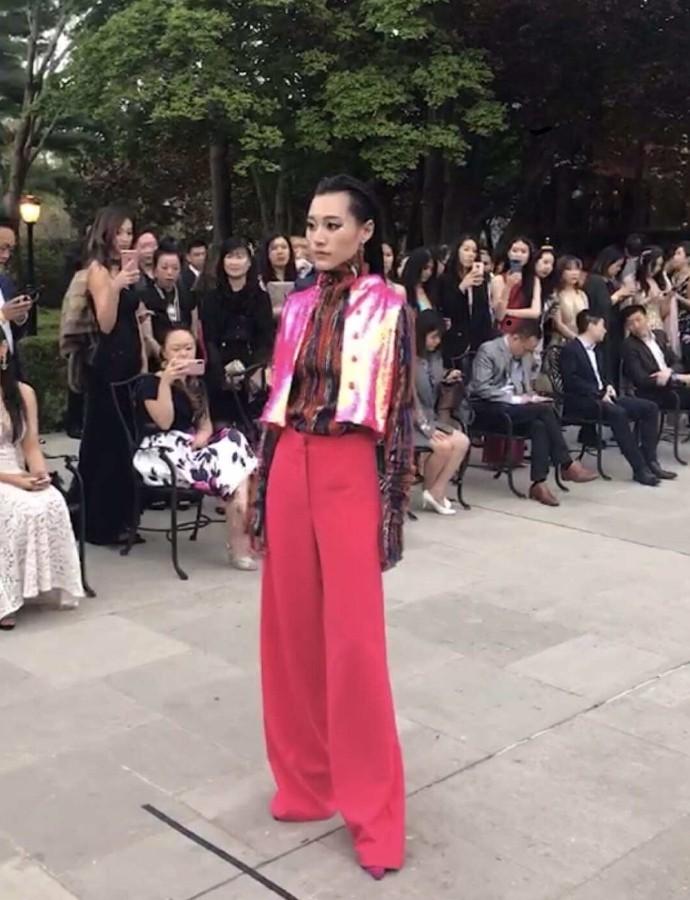 高娓娓:首届纽约疯狂亚裔富豪宴隆重登场,亚裔时尚奥斯卡精英辈出 ... ... ..._图1-6