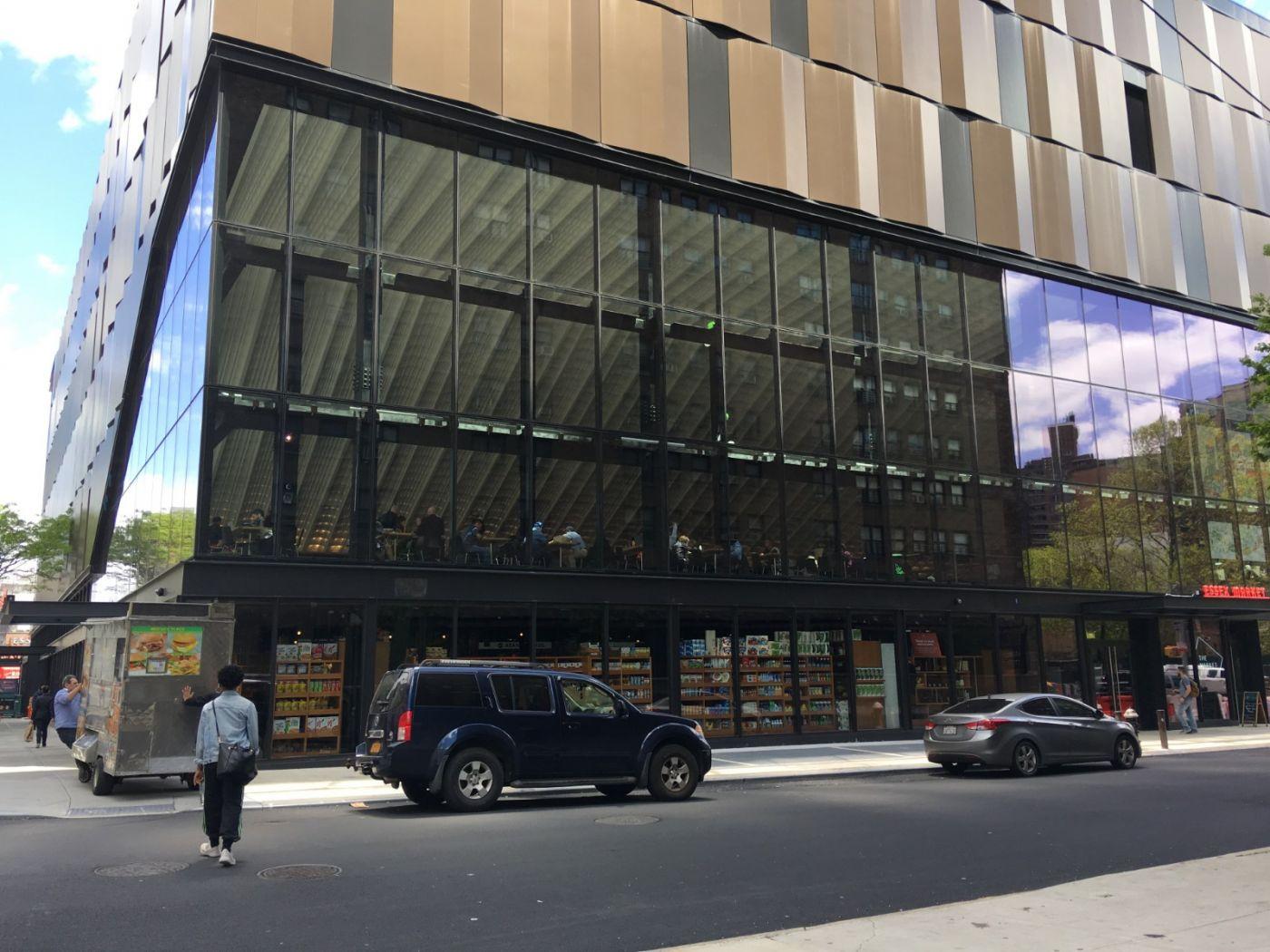 纽约曼哈顿下东城艾塞克斯街市场开张_图1-16