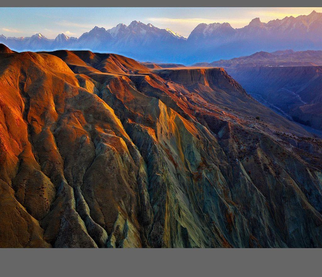 中国新疆天山山脉奇丽风光_图1-8
