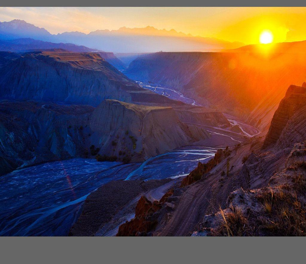 中国新疆天山山脉奇丽风光_图1-16