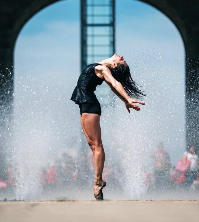 墨西哥芭蕾舞演员街上表演者_图1-5